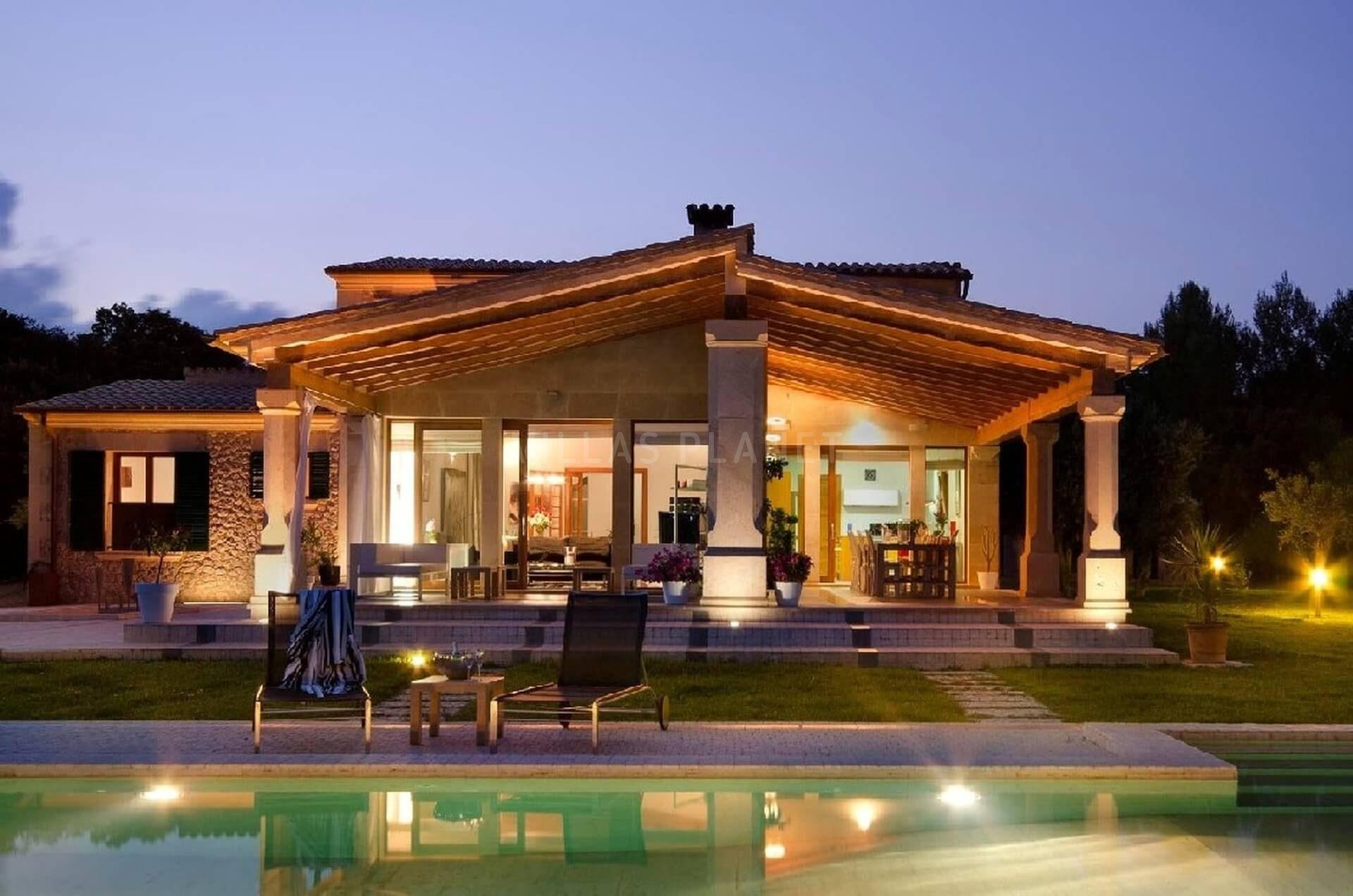 Finca r stica con casa de lujo con piscina y amplios for Piscina y jardin mallorca